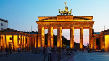 McArthurGlen Outlet Center Berlin: Reduzierte Mode von Esprit in der Hauptstadt!