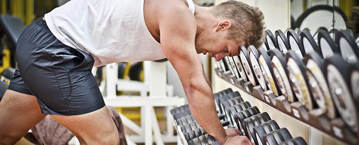 Was hilft gegen Muskelkater? Wie kann man Muskelkater vorbeugen?