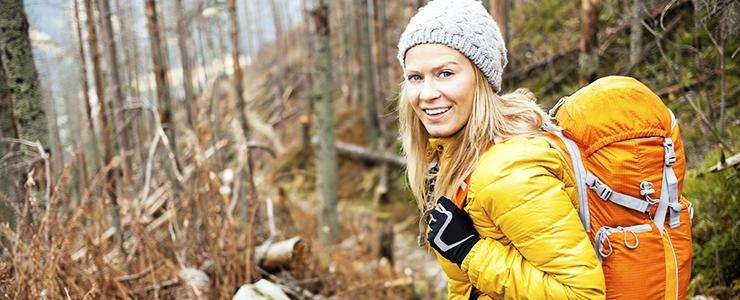 Trekkingrucksack für Damen – Auf welche Besonderheiten sollten Frauen beim Kauf achten?