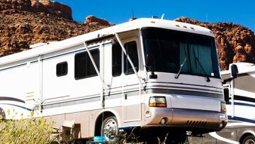 Wo kann ich ein Wohnmobil bzw. einen Wohnwagen für eine USA Rundreise mieten?