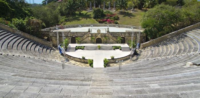 Bild: ©Pakhnyushchyy-Ricard/iStock - Amphitheater wo schon Weltbekannte Künstler aufgetreten sind
