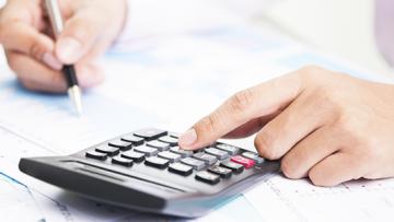 Wie kann man einen Kredit umschulden und welche Vorteile ergeben sich dadurch?