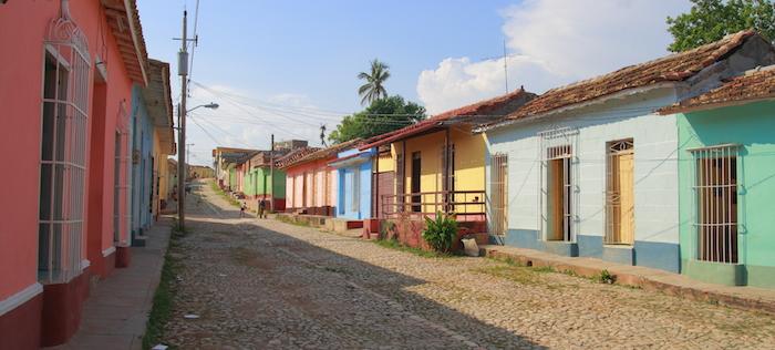 Bildquelle: ©Rudolf Tepfenhart / iStock - Straße von Trinidad