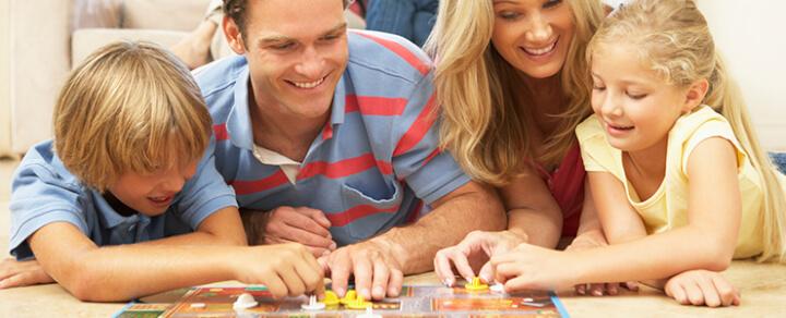 Familienleben – Spiele und Gesellschaftsspiele für Babies und Kinder