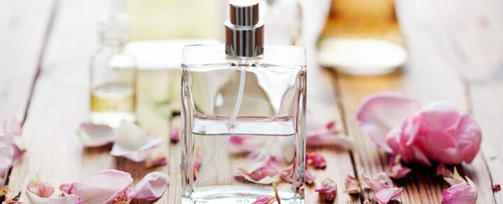 Welche Frauendüfte lieben Frauen? Welches Parfüm soll ich schenken?