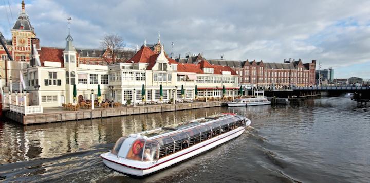 Bildnachweis: ©Devy Masselink / iStock - Flusskreuzfahrt / Amsterdamm