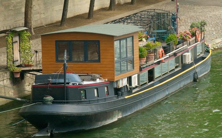 Bildnachweis: ©John Waddell / iStock - Hausboot / Fluss Seine in Frankreich