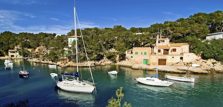 Bildnachweis: ©Stockdonkey / iStock Segelyacht / Mallorca