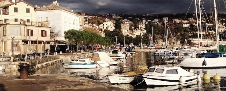 Kaiserlich, königlich und kroatisch: Seebad mit mediterranem Flair und monarchischer Signatur