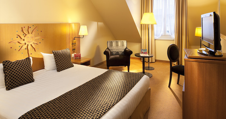 DreamCastleHotel-Doubleroom-C.Bielsa