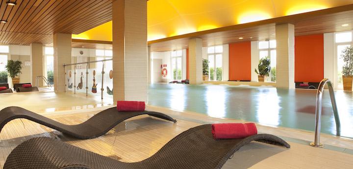 MagicCircusHotel-Pool-C.Bielsa