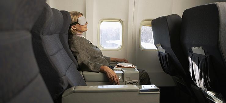 Tipps für entspannte Langstreckenflüge – So überstehen Sie den langen Flug!