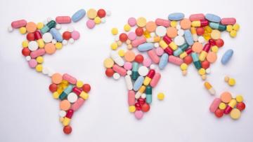 Medikamente auf Reisen: Mitnehmen oder im Ausland kaufen?