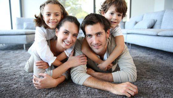 Allein, zu zweit oder mit der Familie – Wie viel wir an Strom und Gas durchschnittlich verbrauchen