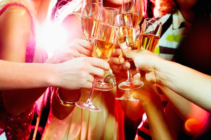 Auf eine gute Party | © panthermedia.net /pressmaster