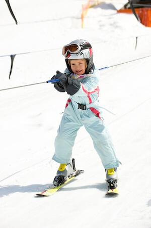 Ski-Spass für die ganze Familie | © panthermedia.net / Thomas Lammeyer