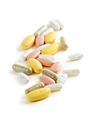 Medikamente, die in eine Reiseapotheke gehören | © panthermedia.net / Ingram Vitantonio Cicorella