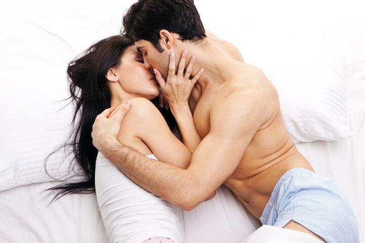 Sich küssendes Paar   © panthermedia.net / nelka7812