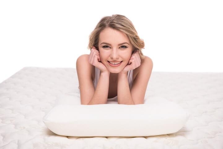 Das Bett ist der Dreh- und Angelpunkt fuer einen gesunden Schlaf | © panthermedia.net / vadimphoto1@gmail.com