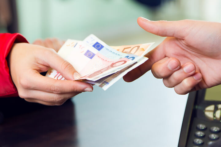 Umtausch im Geschäft | © panthermedia.net / Josep M Suria