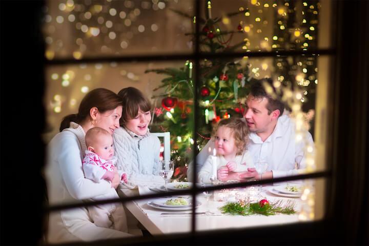 Weihnachten im kleinen Kreis ist entspannter | © panthermedia.net / FamVeldman