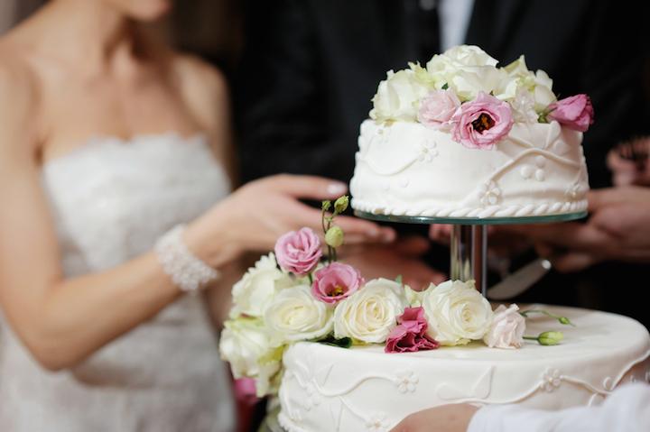 Hochzeitstorte, Verlobungsringe und Co. | © panthermedia.net /maximkabb