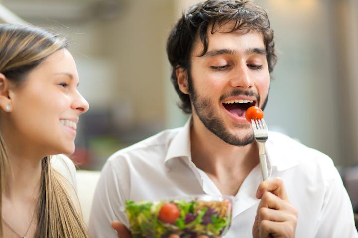 Wein zu Salat und Pasta | © panthermedia.net /minervastock