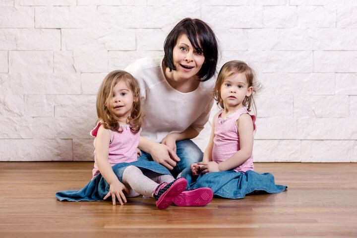 Fotoshooting mit Mutter und Kindern | © panthermedia.net / superelaks