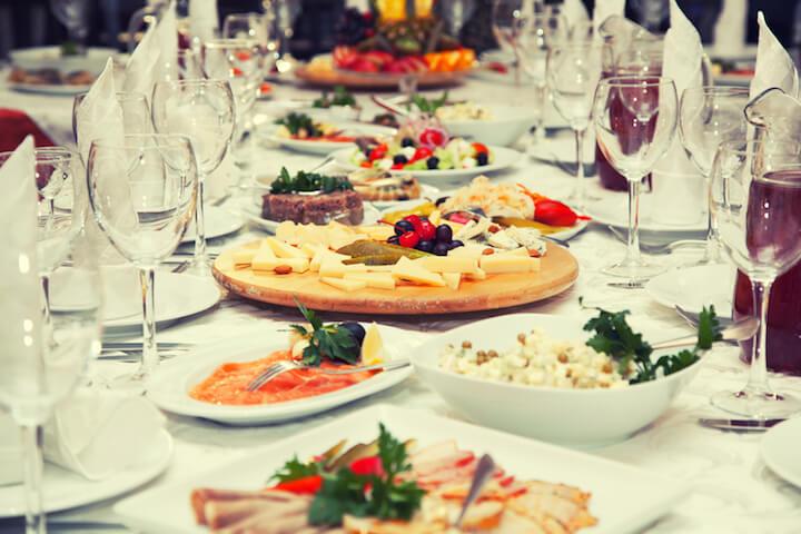 Stilvolles Abendessen als Geschenk   © panthermedia.net / Devin_Pavel