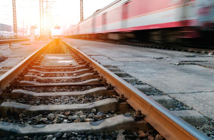 Bahn Tickets bei L`TUR zum Sparpreis buchen – Mit L`TUR Bahn fahren leichtgemacht