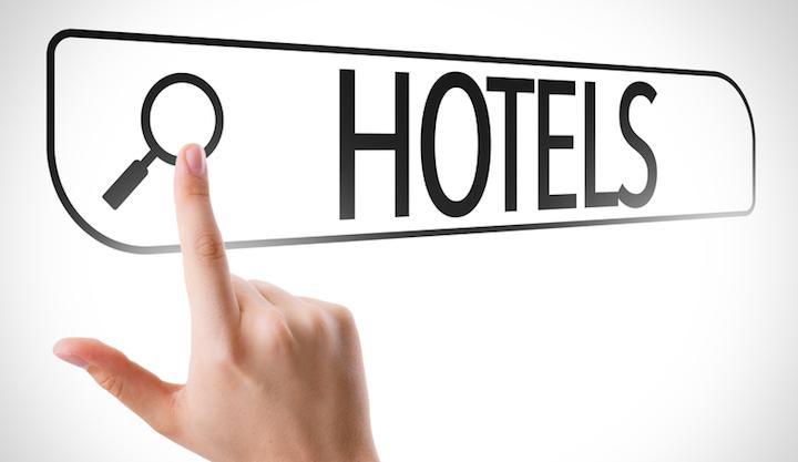 Hotel finden L'TUR | © panthermedia.net /gustavofrazao