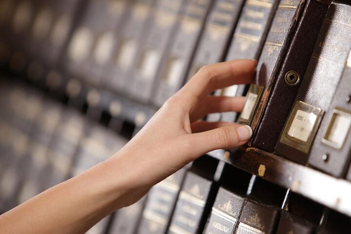 Dokumente sicher verwahren   © panthermedia.net / stokkete
