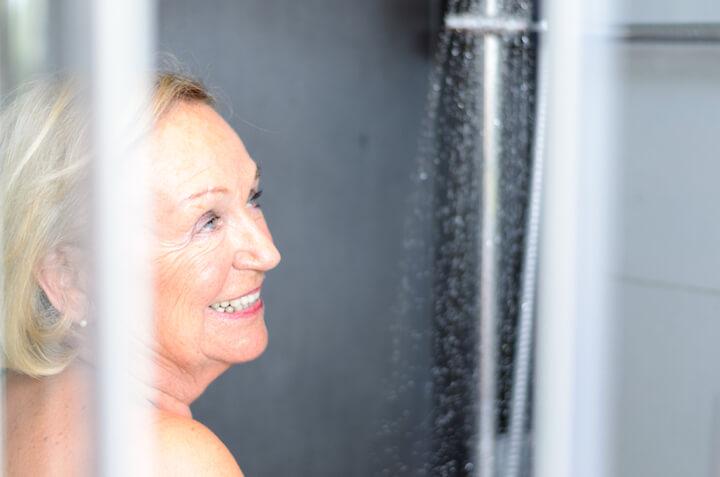 Endlich wieder unbeschwert duschen | © panthermedia.net / info.michaelheim photographer.com