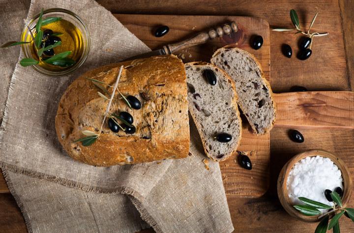 Brot und Salz zum Einzug | © panthermedia.net /Denira