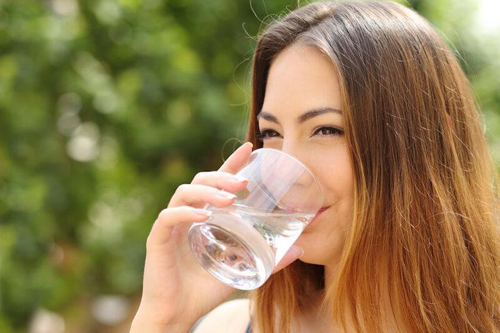 Dehydration verhindern | © panthermedia.net /AntonioGuillemF