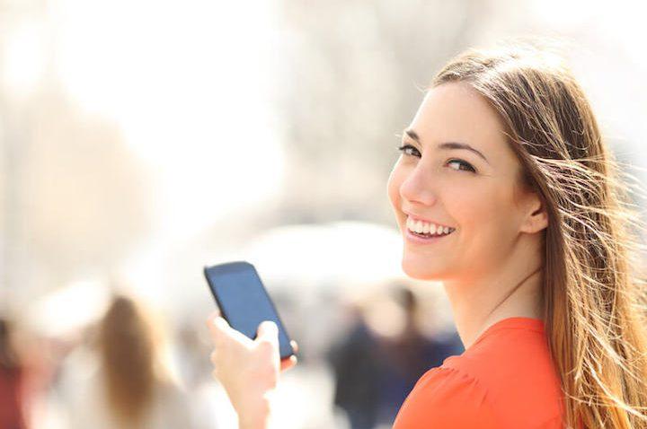 Auflösung, Akku und Kamera – Darauf müsst ihr beim Smartphone-Kauf achten