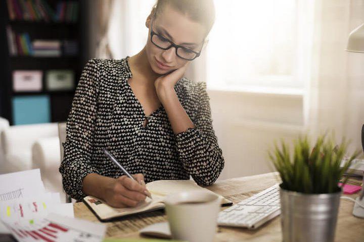 Arbeitszimmer einrichten – Die besten Gestaltungstipps für euer Home Office