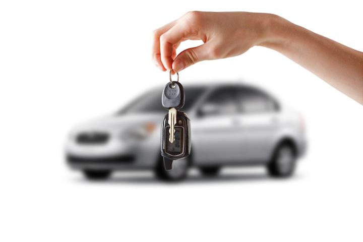 Unterlagen beim Auto Verkauf | © panthermedia.net /puhfoto