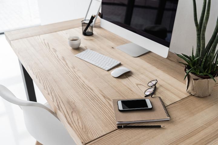 Arbeitsplatz richtig einrichten | © panthermedia.net /AntonMatyukha