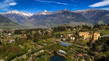 Reiseführer Südtirol – Spektakuläre Gebirge und ein Mix aus Skigebiet und Blütenpracht im Frühling