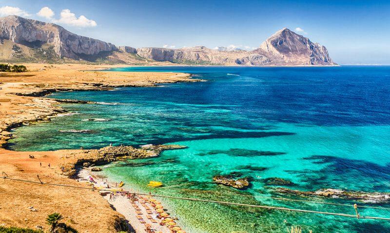 Reiseführer Sizilien – Die größte Insel des Mittelmeers wartet im Frühling mit einer traumhaften Landschaft auf euch