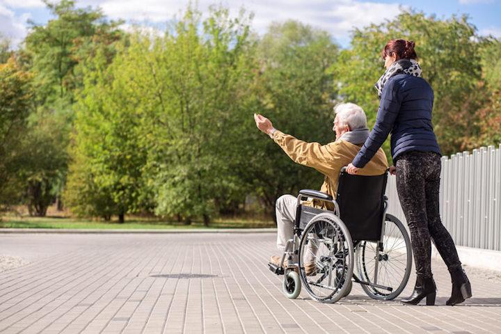 Glücklich alt werden | © panthermedia.net /Katarzyna Bia asiewicz