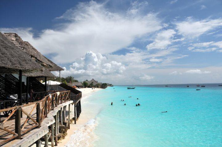 Strand mit Hütte | © panthermedia.net /matejh