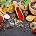Gewurze und passende Speisen