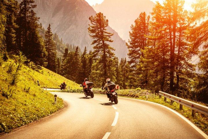 Motorrad Alpen | © panthermedia.net /Anna_Om