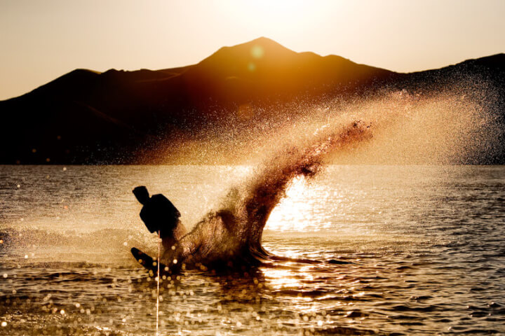 Wasserski, Sonnenuntergang | © panthermedia.net /SimpleFoto