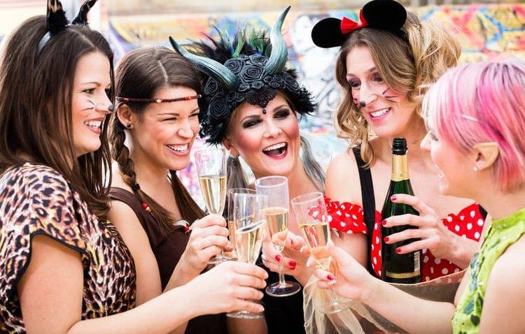 Weiberfastnacht – Geschichte und Tipps zur Vorfeier von Karneval