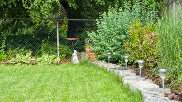 Solarleuchten: Dekorativ und kostensparend den Garten verschönern