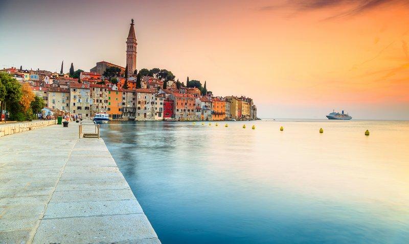 Reiseführer Kroatien: Einzigartige Nationalparks & atemberaubende Strände an der Adria